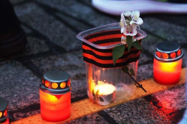 ВТюмени почтили память, погибших при авиакатастрофе