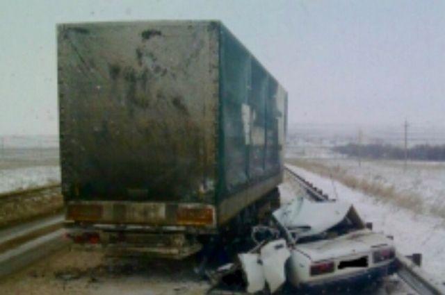 В Первомайском районе в ДТП с грузовиком погиб водитель «ВАЗа»