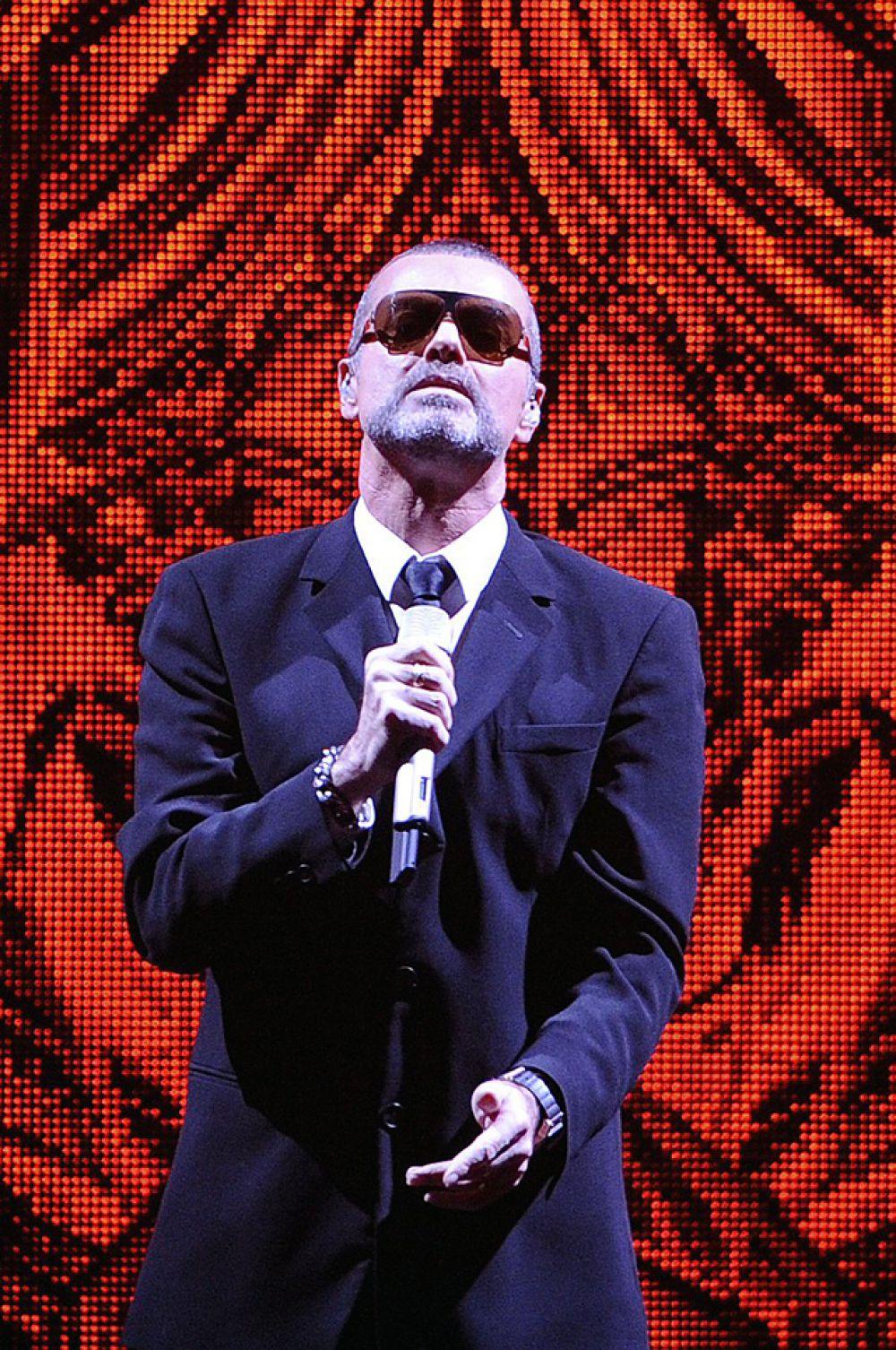 Музыкальная карьера Джорджа Майкла началась в 1981 году в группе The Executives, которую он создал совместно со своим школьным другом Эндрю Риджли.