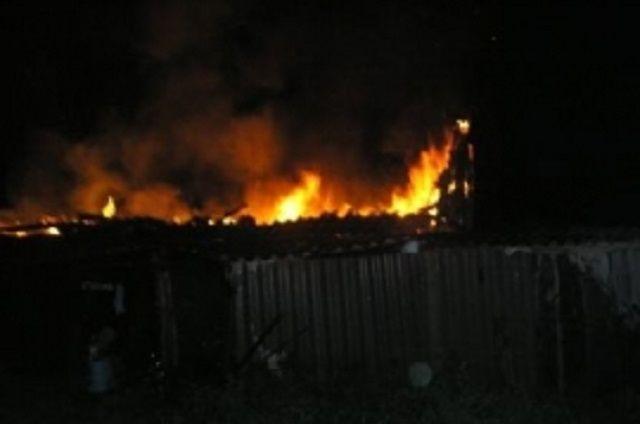 Пожар случился на улице Островной.