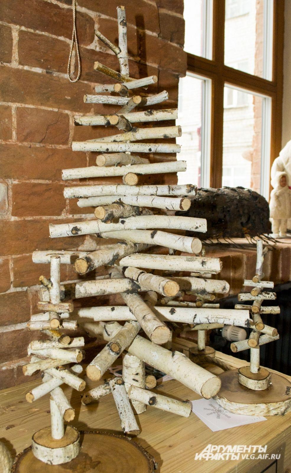 «Ёлка-не ёлка» от Елены Казановой.  Дерево полностью разборное и может компактно храниться и служить долгие годы.