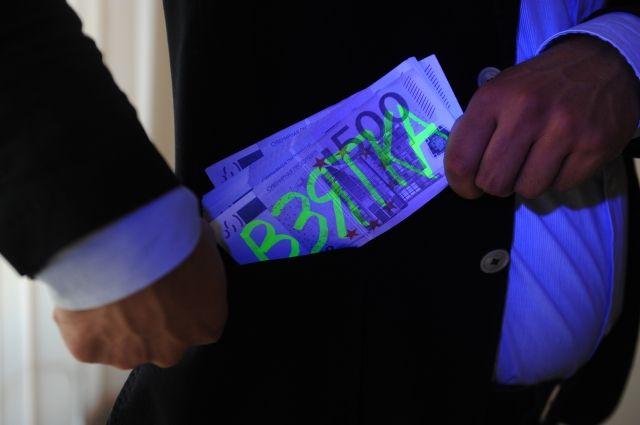 Аксенов пообещал показательные суды над коррупционерами