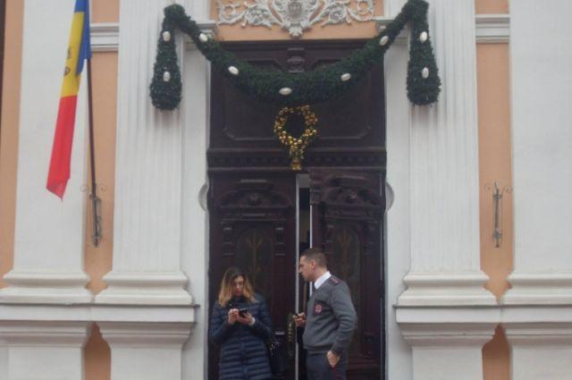 Срезиденции президента Молдовы убрали флаг европейского союза
