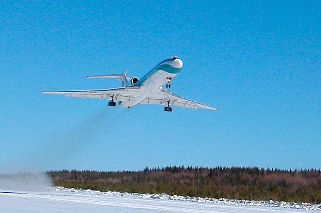 Самолёт ТУ-154.