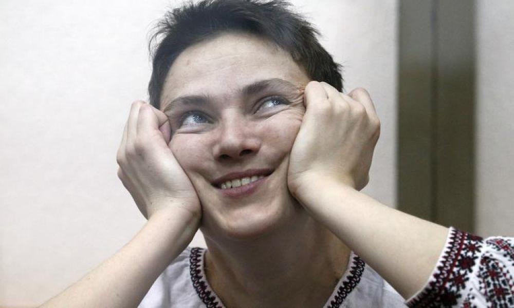 Выражение лица, когда не знаешь, чем заняться. Народный депутат Надежда Савченко когда-то в гордом одиночестве имела такую проблему каждый день