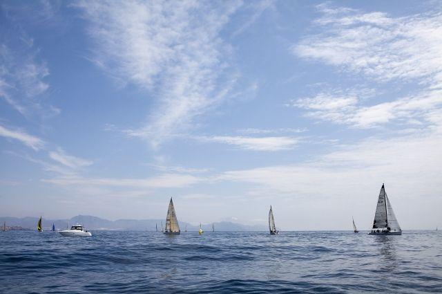 Французский мореплаватель установил мировой рекорд вкругосветке под парусом