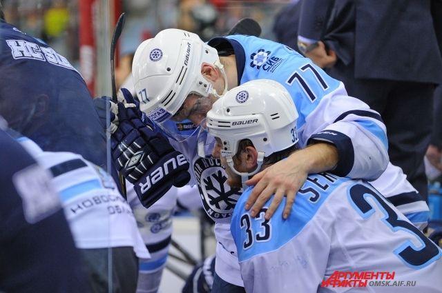 Хоккейный клуб «Югра» вХанты-Мансийске вырвал победу у«Сибири»