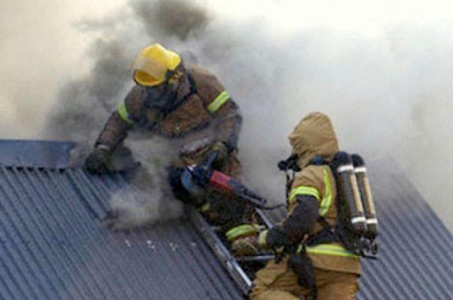 Врезультате сильного возгорания в личном доме Казани погибли три человека