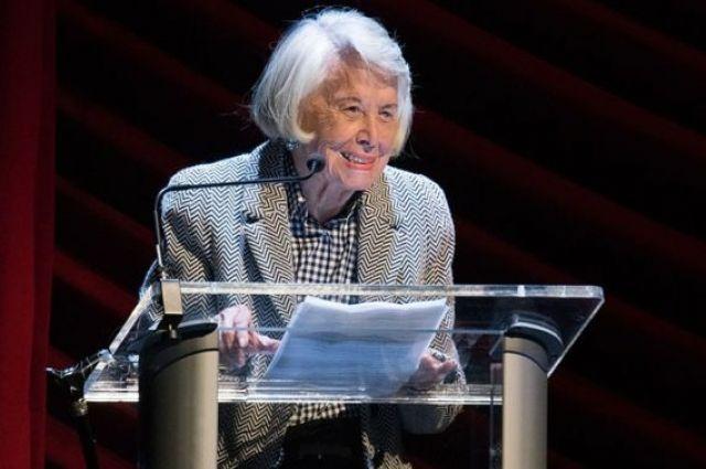 Известная британская артистка Лиз Смит скончалась ввозрасте 95 лет