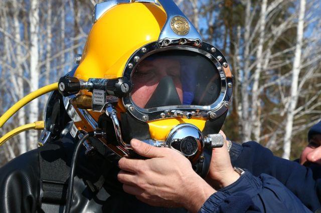 МЧС: Водолазы совершили неменее 70 погружений наместе крушения Ту-154