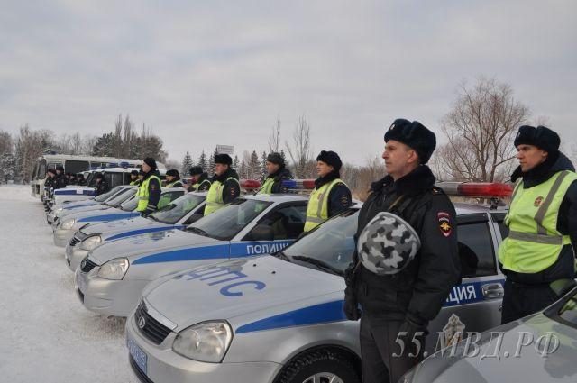 Сразу после развода полицейские отправились на службу.