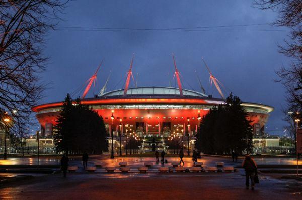 20 декабря 2016 года вице-губернатор Санкт-Петербурга Игорь Албин заявил, что открытие стадиона запланировано на 26 декабря. Однако и в этот день стадион не был сдан.
