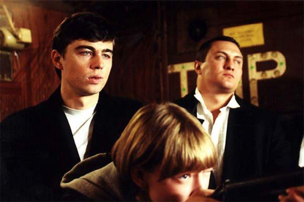 В свободное от съёмок в «Quickie» время он написал сценарий своего первого фильма «Сёстры». Сам Сергей сыграл в нем эпизодическую роль.