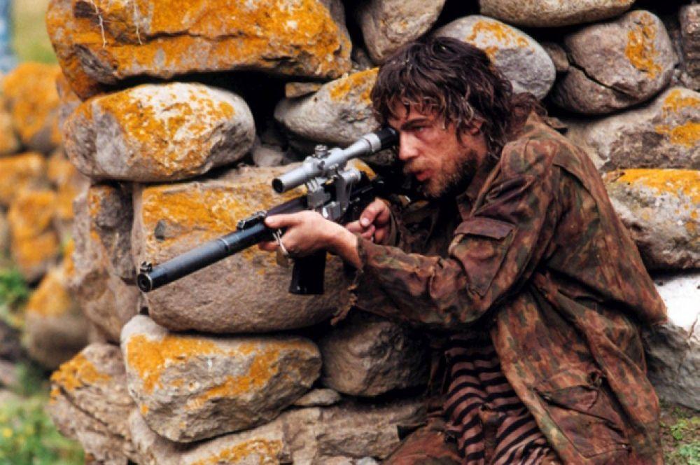 Весной 2001 года начались съёмки фильма Алексея Балабанова «Война». Бодров сыграл непродолжительную по времени роль капитана Медведева. Фильм был удостоен приза «Золотая роза» на фестивале «Кинотавр», а Бодров получил премию «Ника» в номинации «лучшая мужская роль второго плана».