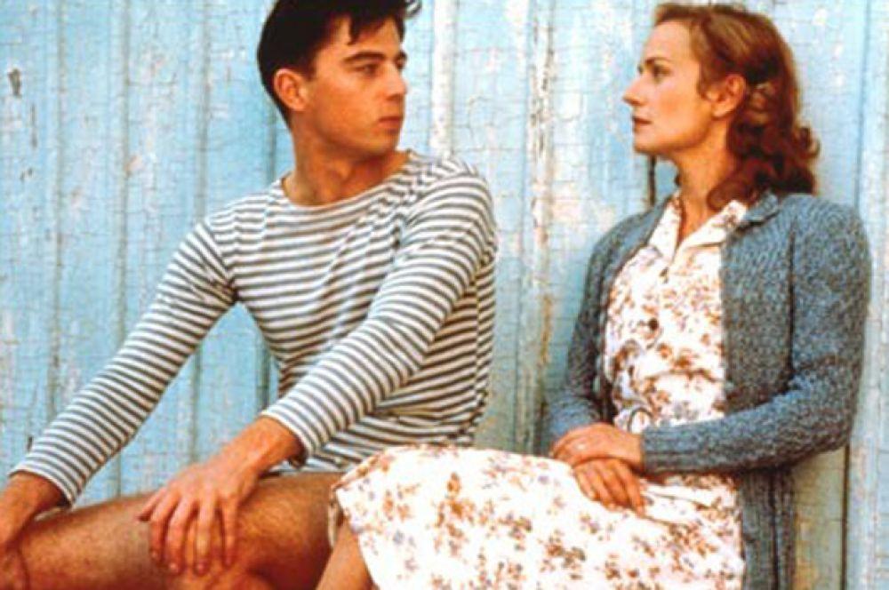 Вторая роль того периода — в фильме режиссёра Режиса Варнье «Восток-Запад». Сергей сыграл Сашу, соседа несчастной пары — доктора Головина и его жены Мари — по коммунальной квартире.