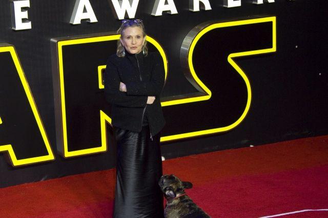 21:17 0 74 Скончалась актриса сыгравшая принцессу Лею О смерти актрисы 27 декабря сообщили журналистам ее родные