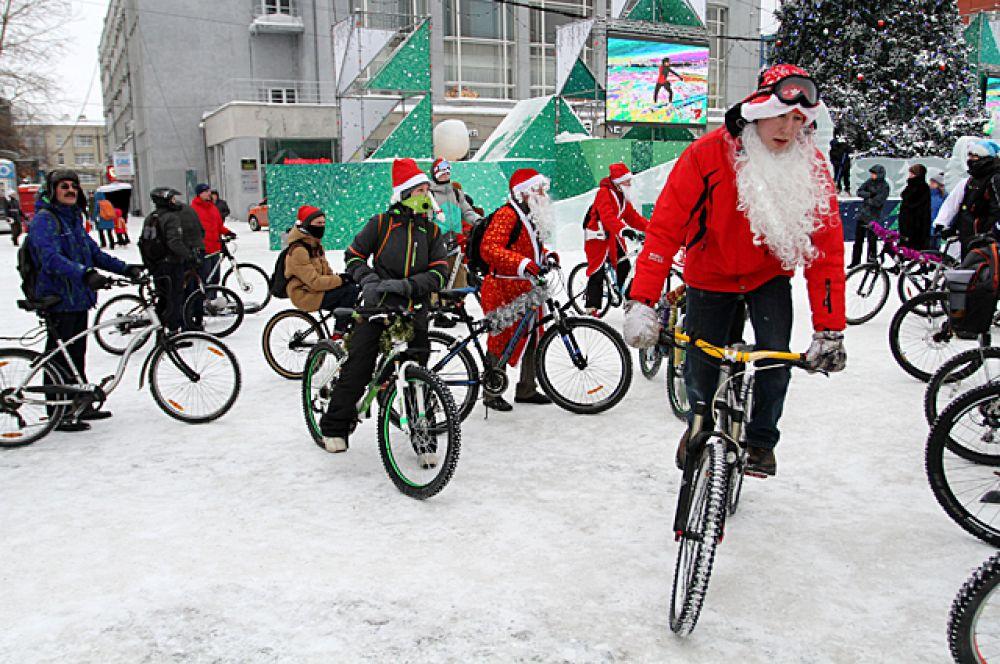 Закончился велозаезд около здания ГПНТБ