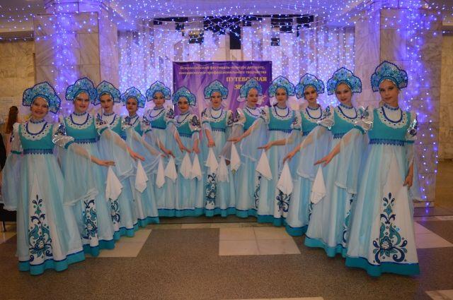 Ансамбль танца «Сюрприз» под руководством Анны Исаевой и Натальи Елоновой - частый гость на городских праздниках и фестивалях российского и международного масштаба.