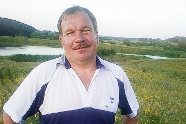 В товариществе на вере имени Димитрова Белинского района Пензенской области Сергей Сергиенко трудится с 1998 года по настоящее время.