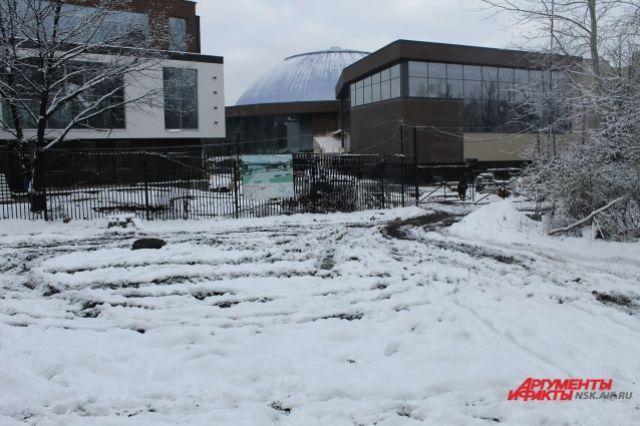 Вновосибирском Дендропарке нелегально вырыли траншеи