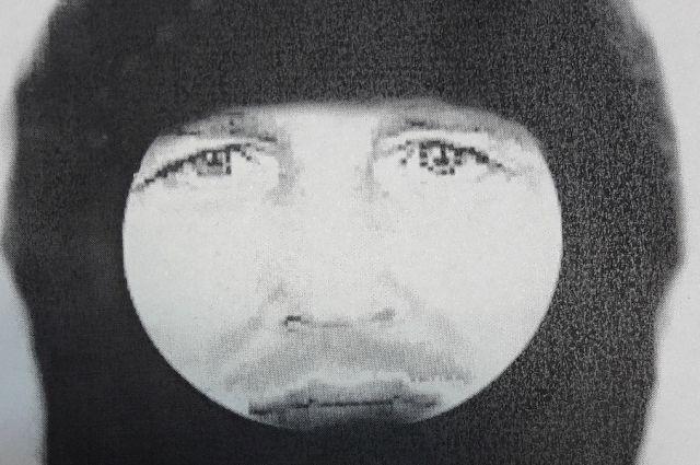 ВСоликамске разыскивают убийцу сводяным пистолетом скислотой иножом