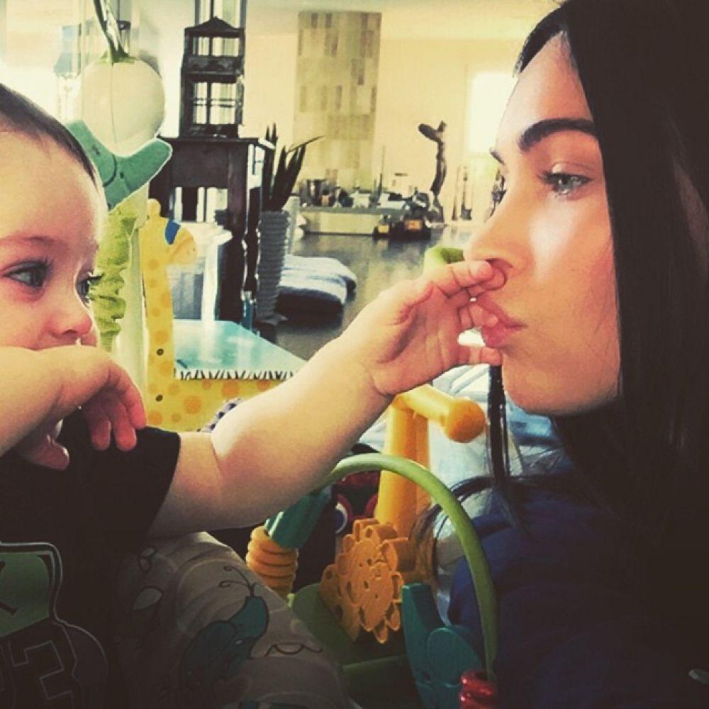 4 августа стала мамой звезда фильма «Трансформеры» актриса Меган Фокс. У нее родился мальчик Джорни Ривер.