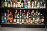 При покупке алкоголя нельзя терять бдительность.
