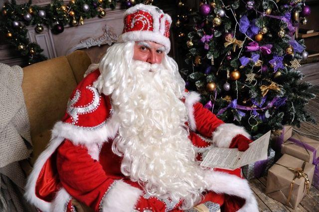 Дедом Морозом Виктор Бровков стал случайно.