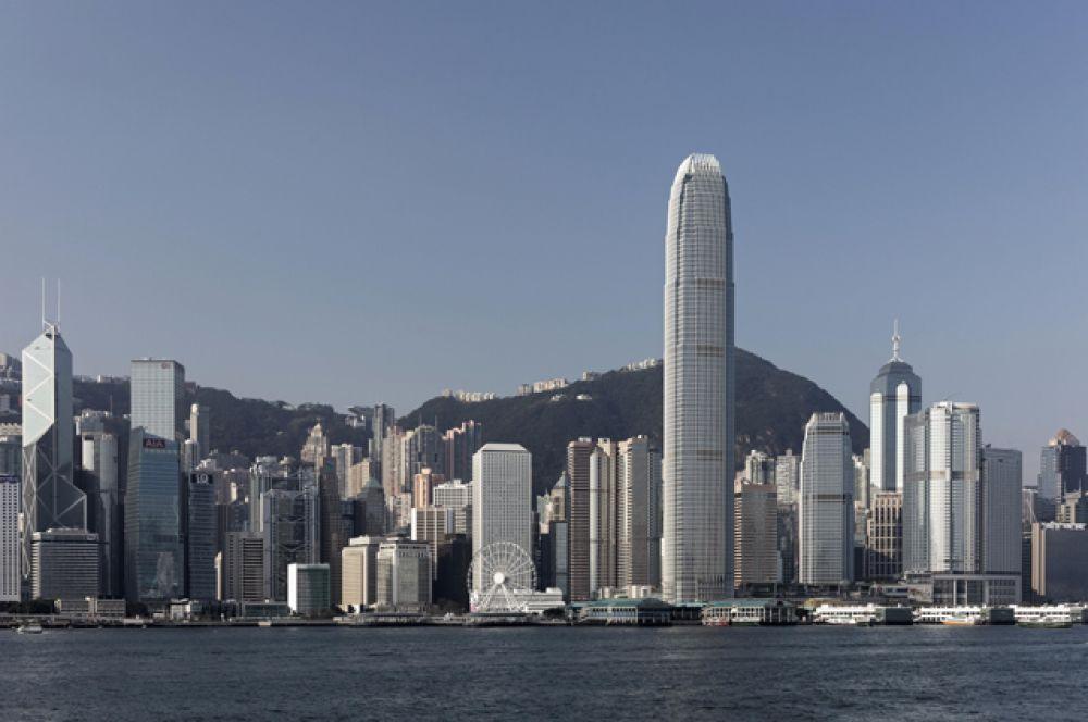 7 место. «Международный коммерческий центр», Гонконг, 484 метра.