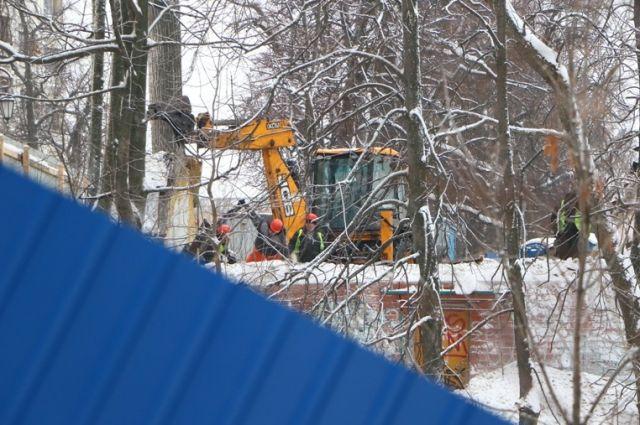 На склонах, ведущих к Волге, уже работает строительная техника. Теперь это всего  лишь «достопримечательное место».