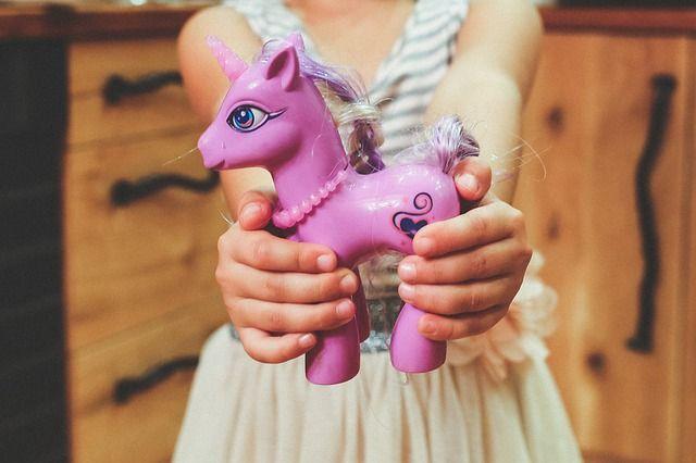 ВОмской области впроцессе игры в«лошадку» умер ребенок