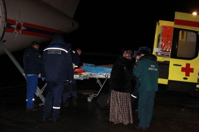 Двоих тяжёлых больных доставили самолётом МЧС изГрозного вНижний Новгород