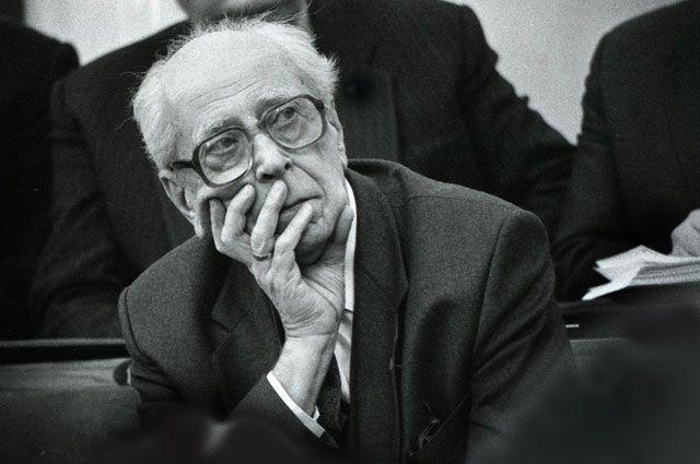 Чемоданы Лихачёва. Каким был на самом деле выдающийся филолог?