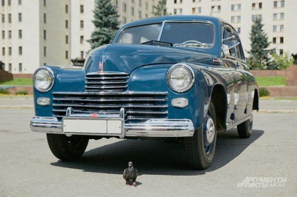 Уже в первом послевоенном 1946 году в серию пошла «Победа» М-20.