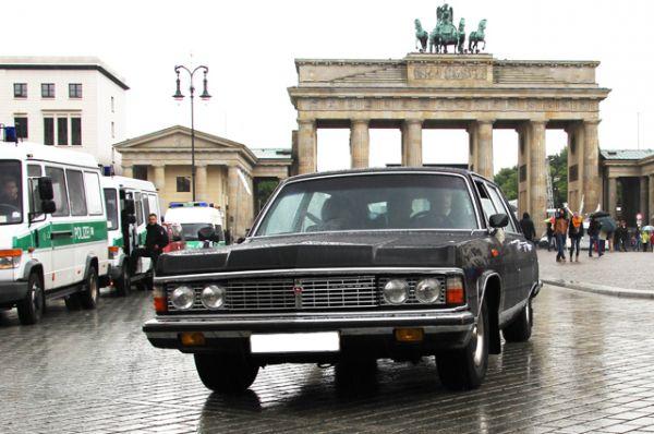 В 1977 году начался выпуск ГАЗ-14 «Чайка» — представителя третьего поколения легковых автомобилей большого класса. Этот автомобиль славился высоким техническим уровнем и комфортом.