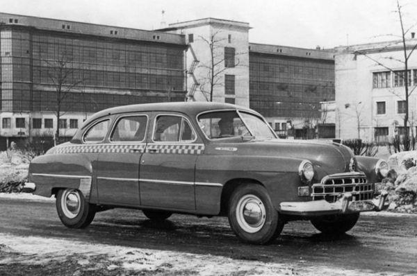 В 1950 году с конвейера сошёл седан представительского класса ГАЗ-12 «ЗИМ».
