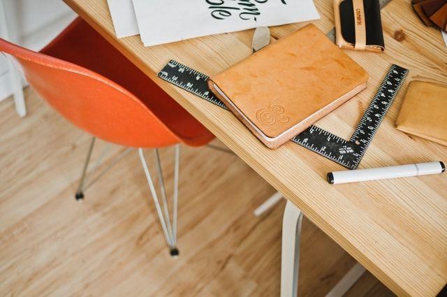 Специалисты рекомендуют регулярно чистить свое рабочее место.