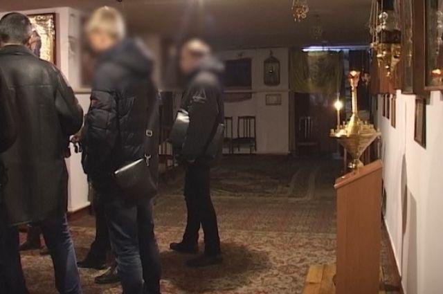 ВКиеве 13-летние пираты, угрожая ножом, ограбили церковь