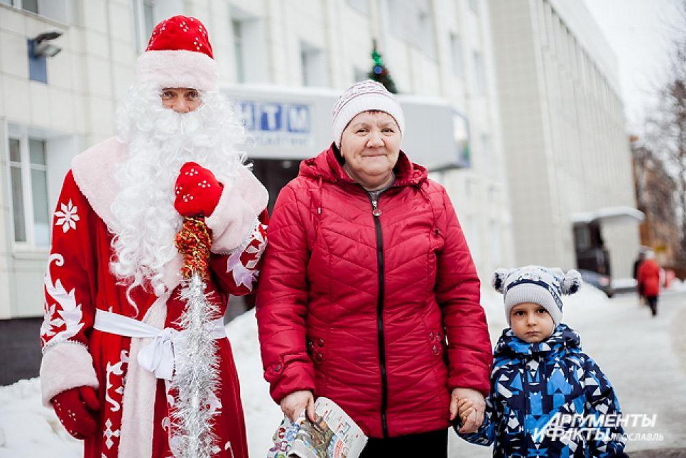 Нина Юрьевна Иванова и внук Никита