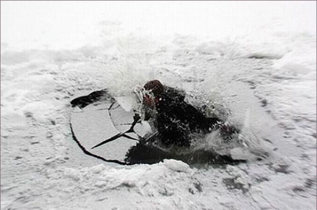 Ребенок пропал подо льдом наКамчатке