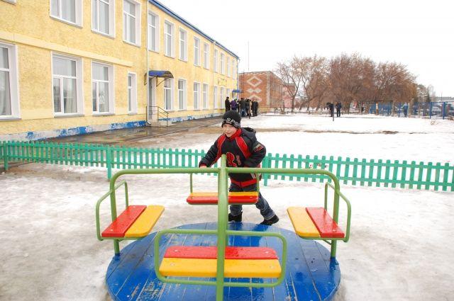 Во многих регионах сократились очереди в детских садах