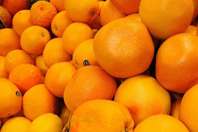 ВПетербурге украли 18 тонн мандаринов стоимостью неменее 1 млн руб.