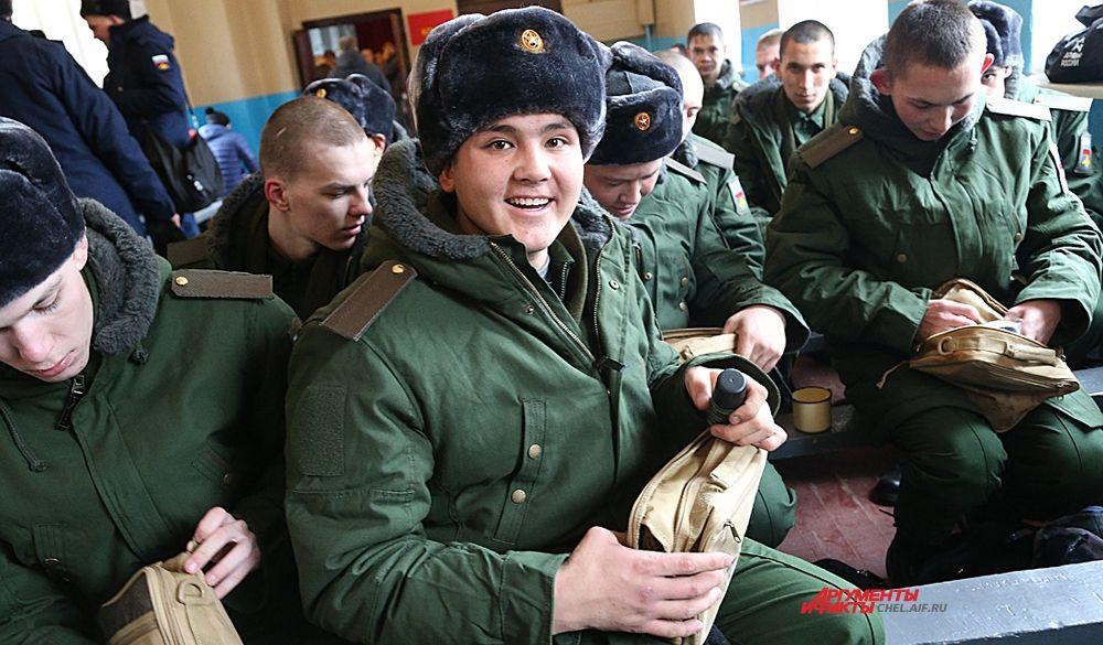 В октябре призывники из Челябинской области отправились на службу в армию.