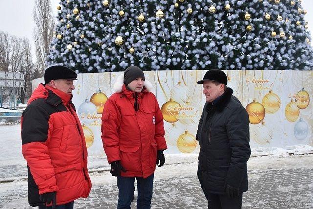 Глава исполнительной власти дал поручение вывезти навалы снега, которые образовались в результате уборки городских улиц.