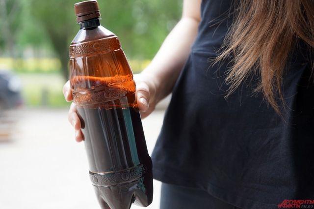 В Российской Федерации запретили торговать пиво вбольшой пластмассовой таре