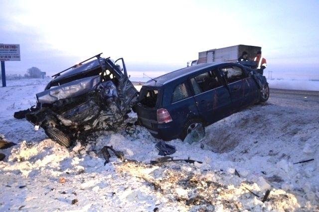 Один человек умер, четверо пострадали вДТП натрассе «Новосибирск— Иркутск»