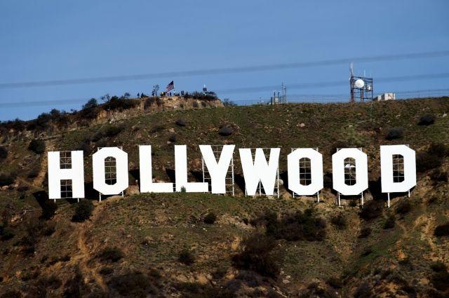 ВНовогоднюю ночь неизвестный изменил надпись «Hollywood»