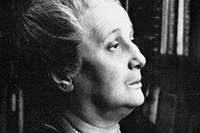 Нобелевскую премию-66 могли дать Ахматовой, Набокову либо Паустовскому