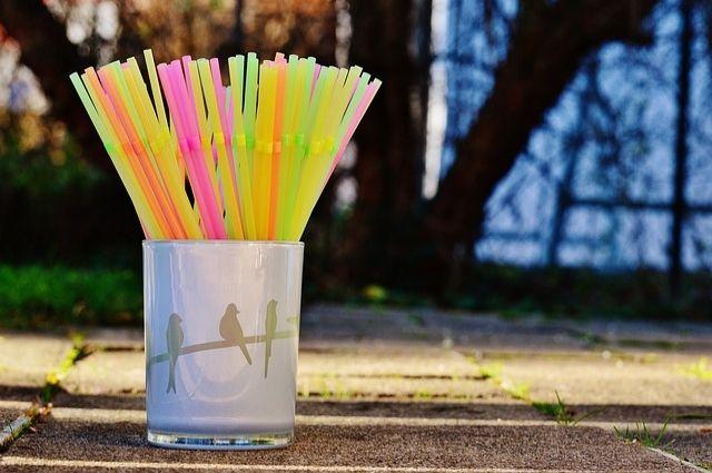 Человечеству понадобилось больше полувека для того, чтобы сделать соломинку идеальной и максимально удобной в применении.