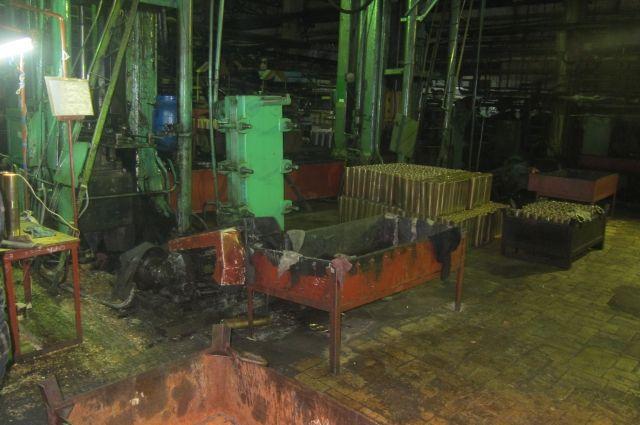 В Орске на заводе пострадал работник